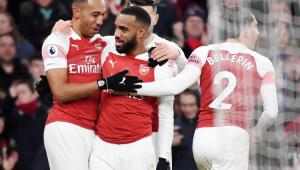 Arsenal ganha clássico londrino e encosta no Chelsea
