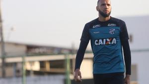 Goleiro Everson, do Ceará, desembarca para assinar com Santos