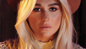 Kesha assume sardas em post empoderado; confira