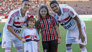 Destaque do São Paulo na Copinha e recém-promovido, Antony homenageia criança que tem câncer