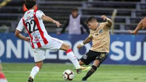 Santos joga mal, perde gols e disputa com River Plate (URU) fica no 0 a 0