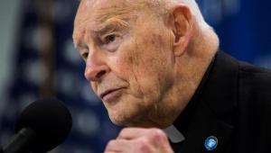 Vaticano expulsa do sacerdócio arcebispo emérito de Washington acusado de abusos sexuais