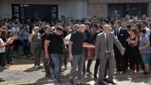 Familiares, companheiros de time e irmão de Higuaín homenageiam Sala em velório