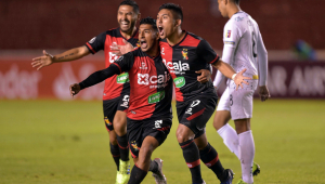 Time peruano vence com golaço e fica perto de entrar no grupo do Palmeiras
