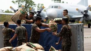 'Envio de ajuda humanitária aos venezuelanos está mantido', reafirma Jair Bolsonaro