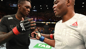 Anderson Silva perde em retorno ao UFC, mas é reverenciado pelo adversário, Israel Adesanya