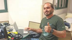 Marco Antonio Villa: Carlos Bolsonaro, o miliciano digital, é nocivo à política