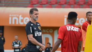 Mancini conversa com Cuca, mas diz que ele não vai influenciar no clássico
