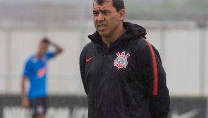 Corinthians tenta definir time ideal contra líder do Campeonato Argentino