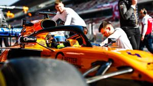 Incêndio em box deixa três membros da McLaren feridos