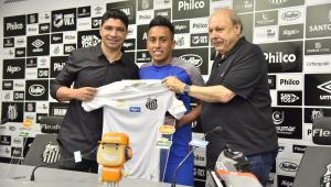 Cueva é apresentado pelo Santos e minimiza passado no São Paulo