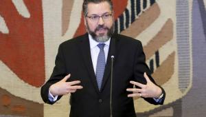 Em balanço, ministro Ernesto Araújo comemora resultados de viagem aos EUA