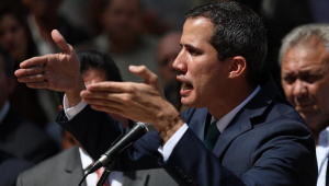 Delegação europeia é impedida de entrar na Venezuela; deputado pede retaliação