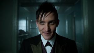 Ator de 'Gotham' estará na segunda temporada de 'Você'