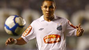 CSA confirma a contratação de Madson, ex-Santos
