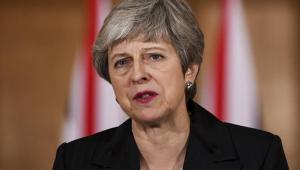 Jornal britânico fala em queda de Theresa May já nesta sexta (24)