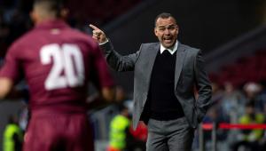 Técnico vê intervenção política na seleção da Venezuela e põe cargo à disposição