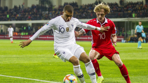 Fora de casa, França goleia Moldávia na estreia nas eliminatórias da Eurocopa