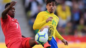 Brasil joga mal, leva gol irregular e só empata com Panamá