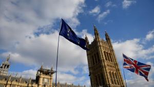 Após pausa, políticos britânicos retomam negociações sobre o Brexit nesta terça (23)