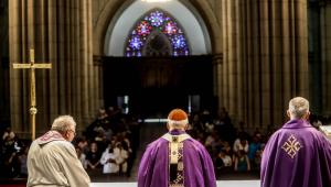 Missa na Catedral da Sé homenageia vítimas de ataque em Suzano