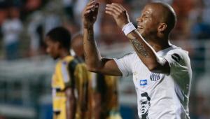 Santos é surpreendido pelo Novorizontino no Pacaembu e perde a liderança do grupo