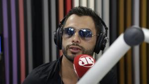 Agustin Fernandez sobre apoio a Bolsonaro: 'Melhor votar numa pessoa que vai f*** só a classe LGBT'