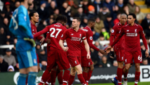 Liverpool sofre, mas vence penúltimo colocado e retoma liderança do Campeonato Inglês