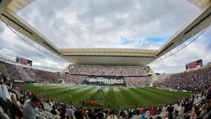 Paulo Guedes faz piada com Arena Corinthians em seminário: 'Ninguém consegue pagar aquilo'