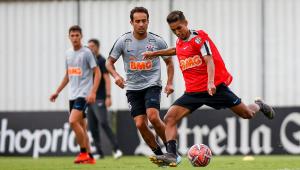 Corinthians divulga relacionados para duelo contra Oeste sem Fagner e Gustagol