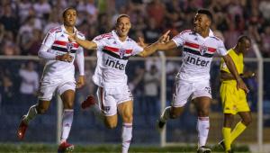 São Paulo fica no empate com o São Caetano, mas se classifica às quartas de final
