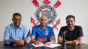 Régis é inscrito e pode ser novidade do Corinthians contra Ferroviária