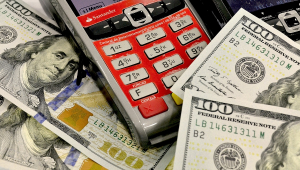 Dólar cai R$ 0,06 e fecha no menor patamar desde 4 de outubro