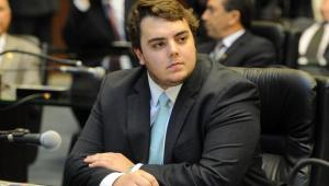 Vera Magalhães: Em CCJ sem pulso de Francischini, Centrão tenta adiar votação de parecer da reforma