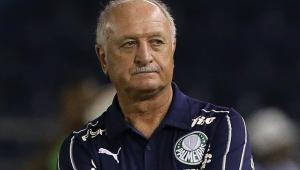 Felipão contesta expulsão de Felipe Melo e revela elogio de árbitro ao volante