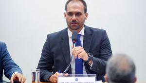 Major Vitor Hugo apresenta nova lista para nomear Eduardo líder da Câmara