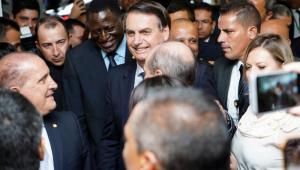 Bolsonaro entrega ao Congresso proposta de reforma da Previdência dos militares