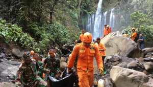 Terremoto de 5,5 graus na escala Richter atingiu a ilha turística de Lombok, na Indonésia, neste domingo (17)