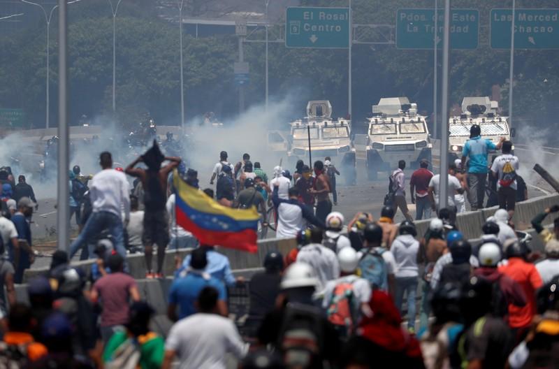 ONU diz que venezuelanos devem ter status de refugiados