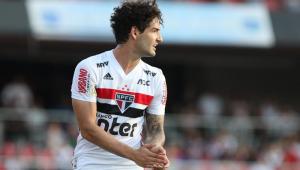 Recuperado de lesão, Pato terá chance de melhorar números no Brasileirão