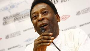 Comissão de conselheiros vetam homenagem a Pelé em escudo do Santos