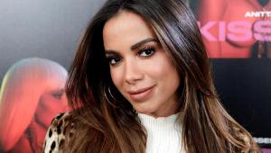 Anitta descobre que tem novo irmão após teste de DNA: 'Super feliz'