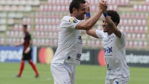 Cruzeiro vence na Venezuela e mantém 100% na Libertadores