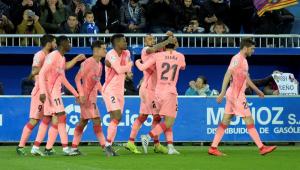 Barcelona vence Alavés e fica perto do título espanhol