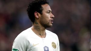 De saída? Neymar desembarca em Paris para definir futuro no PSG