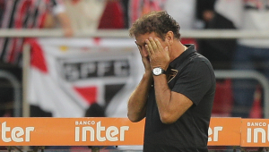 Diretor do São Paulo rebate crítica de Cuca: 'Para dar desculpa que o time empatou inventa outro problema'