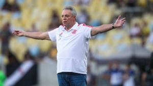 Abel Braga critica suspensão na Libertadores: 'Uma grande sacanagem'