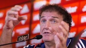 Cuca pede calma após doping de Gonzalo Carneiro: 'A gente não pode fazer julgamento'