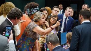 Vera Magalhães: Governo cede e aceita mudanças no texto da reforma antes que vá à comissão especial