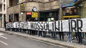 Torcedores da Lazio fazem homenagem a ditador fascista em Milão